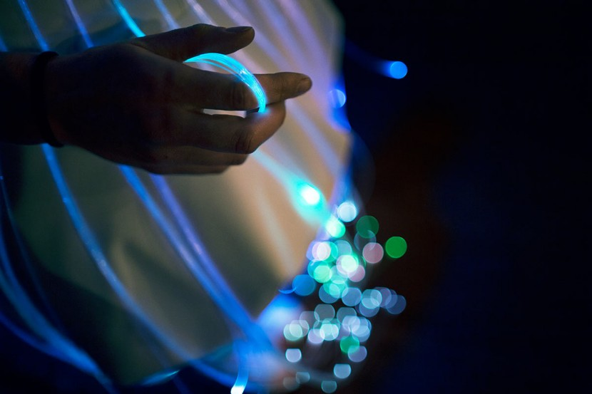 fiber-optic-dress5.jpg